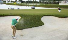 Rory McIlroy en el hoyo 17 (cortesía PGA TOUR / David Cannon)