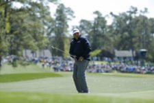 Masters champion Angel Cabrera of Argentina putts on No. 3 during Round 3 at Augusta National Golf Club on Saturday April 9, 2016 (cortesía Augusta National Inc.)