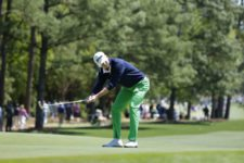 Smylie Kaufman reacts to a missed birdie attempt on No.1 during Round 3 at Augusta National Golf Club on Saturday April 9, 2016 (cortesía Augusta National Inc.)