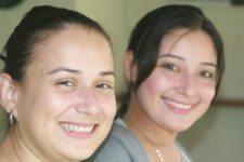 En el start del MCC los participantes son atendidos por estas dos preciosas muchachas, Angelita Semprún y Geraldine Rodríguez