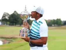 Jhonattan vegas besa Trofeo Canadian Open (cortesía matchforecaster.com)