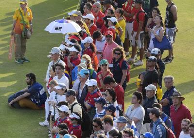 Fans disfrutando el juego (cortesía Stan Badz/PGA TOUR/IGF)