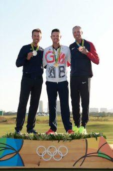 Henrik Stenson Suecia, Justin Rose Gran Bretaña y Matt Kuchar USA (cortesía Stan Badz/PGA TOUR/IGF)