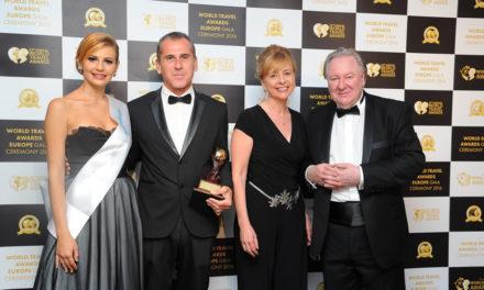Las Colinas Golf & Country Club galardonado nuevamente como el Resort de Villas Líder en España
