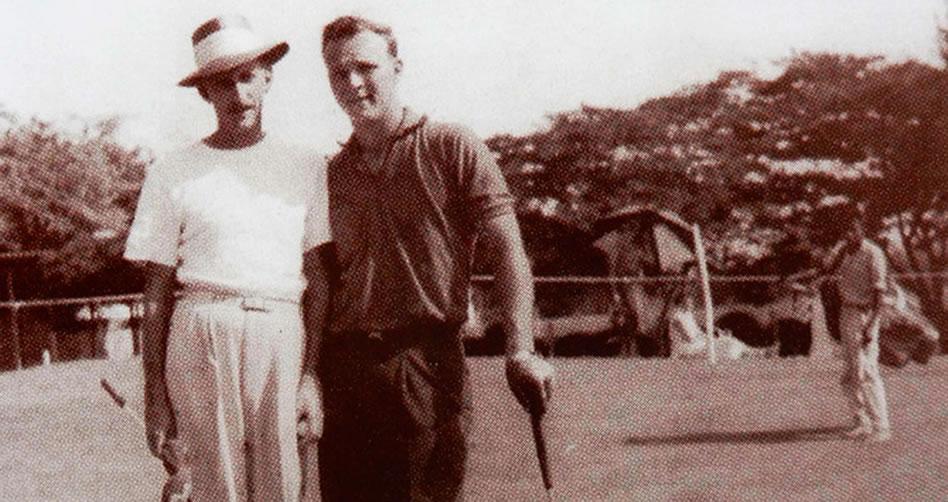 Arnold Palmer Palmer acompañado por Enrique Bambuco Samper durante la semana del Abierto en 1956 (cortesía Fedegolf)