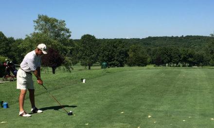 El jubilado que jugará más vueltas en un año que muchos golfistas en su vida