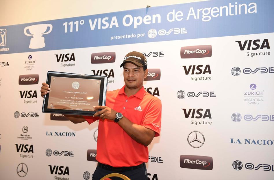 Fabián Gómez recibió un reconocimiento por su participación en los Juegos Olímpicos de Río 2016 / Foto: Gentileza Enrique Berardi/PGA TOUR