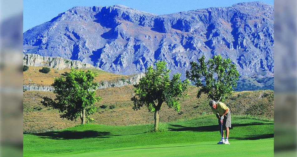 Clubes de golf malagueños ponen en marcha ofertas para alargar las estancias en su temporada alta