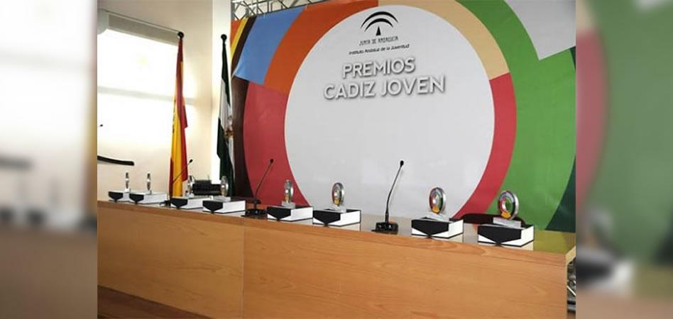 La Junta reconoce la labor de jóvenes y entidades de la provincia al conceder los Premios Cádiz Joven 2016