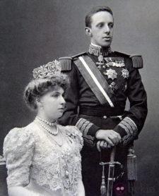 El Rey Alfonso XIII y la Reina Victoria Eugenia (cortesía Bekia)