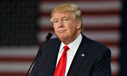Trump suspende construcción de muro frente a campo de golf en Irlanda