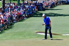 Jordan Spieth en el green del hoyo 2 (cortesía Augusta National Golf Club)