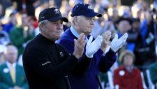 Gary Player y Jack Nicklaus aplauden en el hoyo No. 1 en honor a Arnold Palmer (cortesía Augusta National Golf Club)
