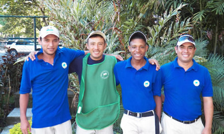 Club pionero de golf del país solidario con los Caddies