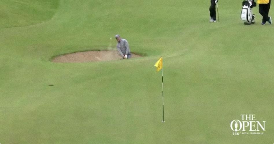 El primer eagle del Open llega desde el búnker…