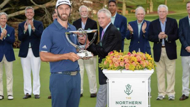 Dustin con el trofeo (cortesía Duluth News Tribune)