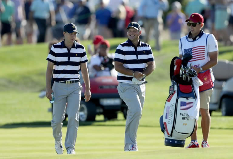 Patrick Reed y Jordan Spieth (cortesía Golf Digest)