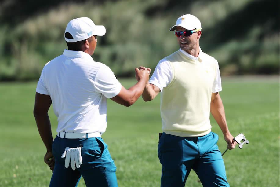 Jhonattan Vegas y Adam Scott (cortesía PGA TOUR Communication)