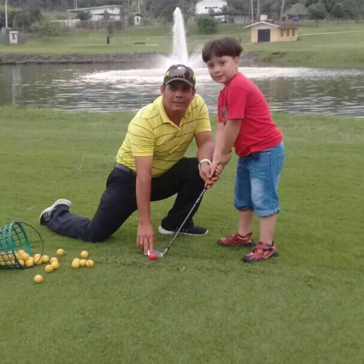 El director de Golf de Tucán Country Club & Resort Antonio Lasso