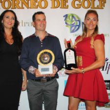 Buen ambiente, diversión y premios en el III Torneo de Golf Villas Alondra & DN Facility