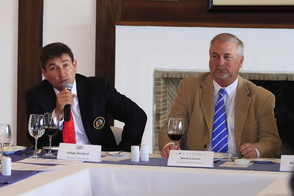 Felipe Bertín, Presidente de la Federación Chilena de Golf, y Mark Lawrie, Director The R&A para Latinoamérica y el Caribe, durante la presentación de lo que será la cuarta edición del LAAC en enero de 2018 en Santiago de Chile.