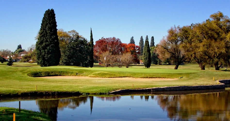 San Isidro Golf Club quiebra la paridad y lidera en soledad