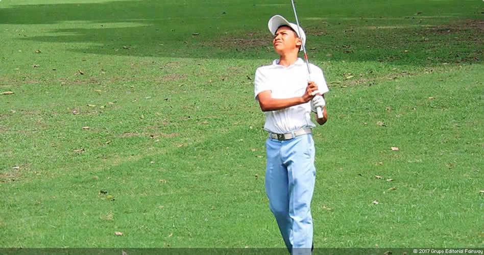 Un niño indígena rompe los estereotipos del golf en Venezuela