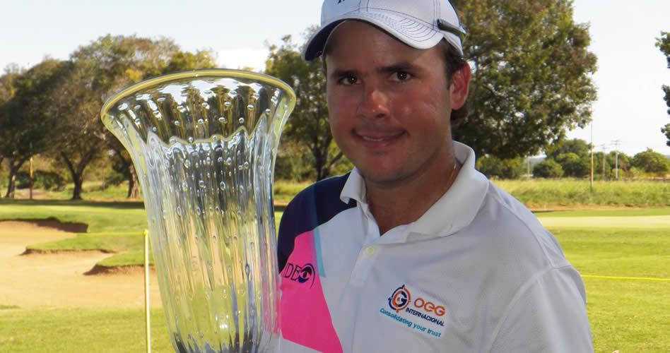 Alfredo Adrián, ganador de la IX Abierto Sambil en el 2012 con 6 bajo-par