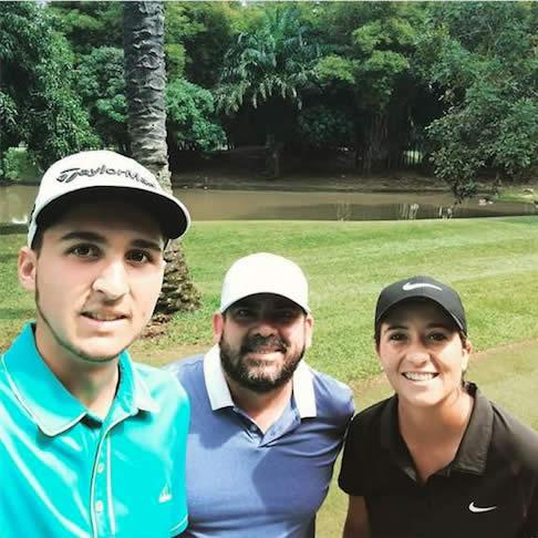 Raúl Carbonel, Mike Norman y Laura Restrepo de Panamá (cortesía Mike Norman)