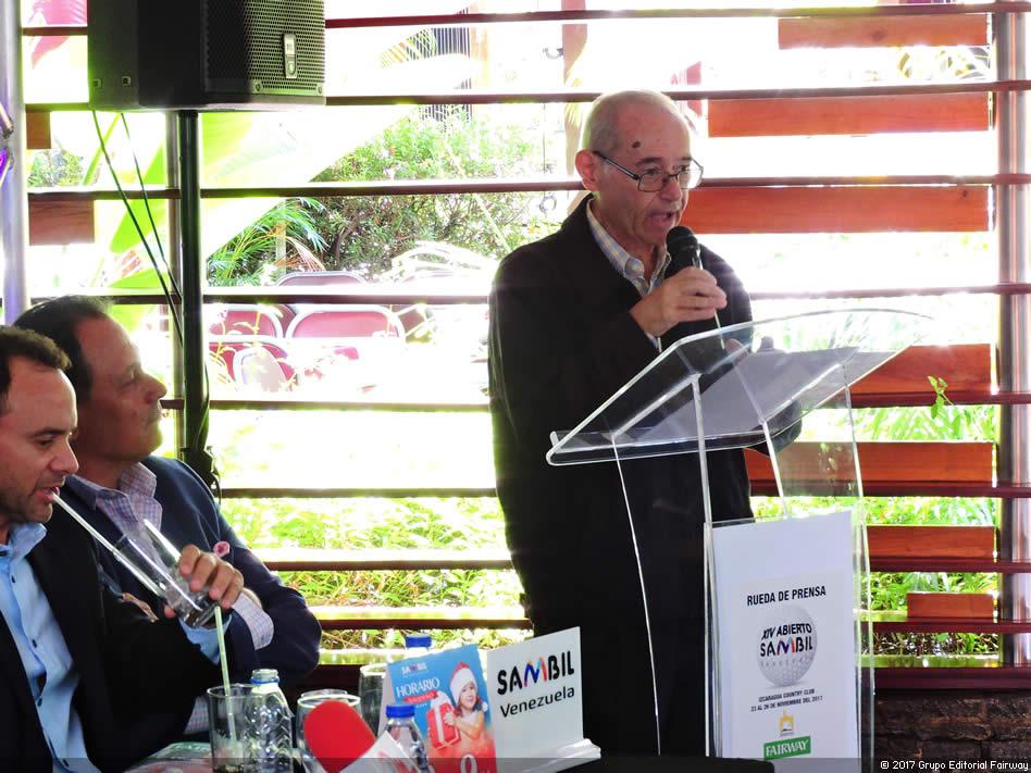 Profesor Manuel Álvarez en la Rueda de Prensa del XIV Abierto Sambil