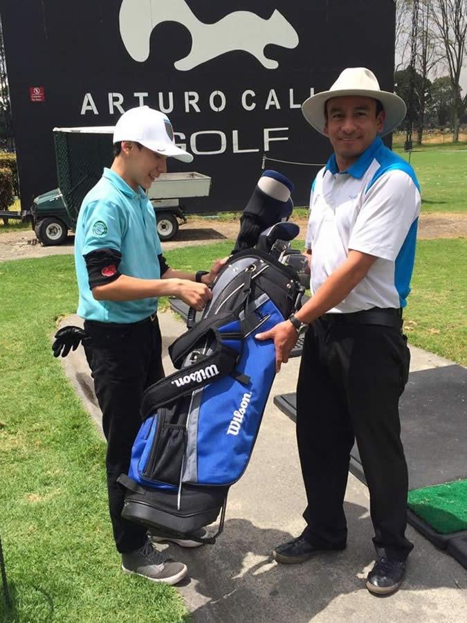 Entrega de nuevo equipo de golf