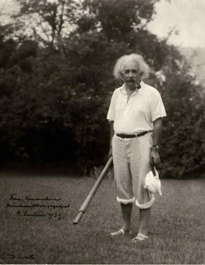 La primera y última clase de golf de Albert Einstein (cortesía facilisimo.com)