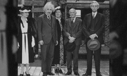 La primera y última clase de golf de Albert Einstein