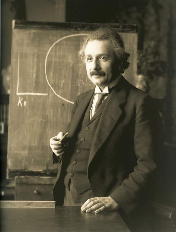 La primera y última clase de golf de Albert Einstein (cortesía Wikipedia)