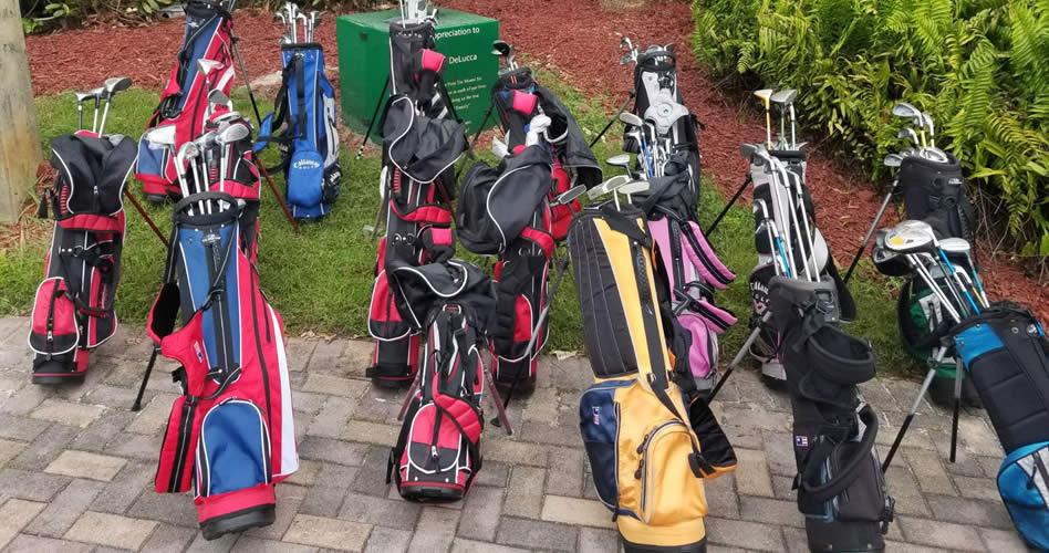FVG recibe del atleta Alejandro Restrepo 12 equipos de Golf Infantil