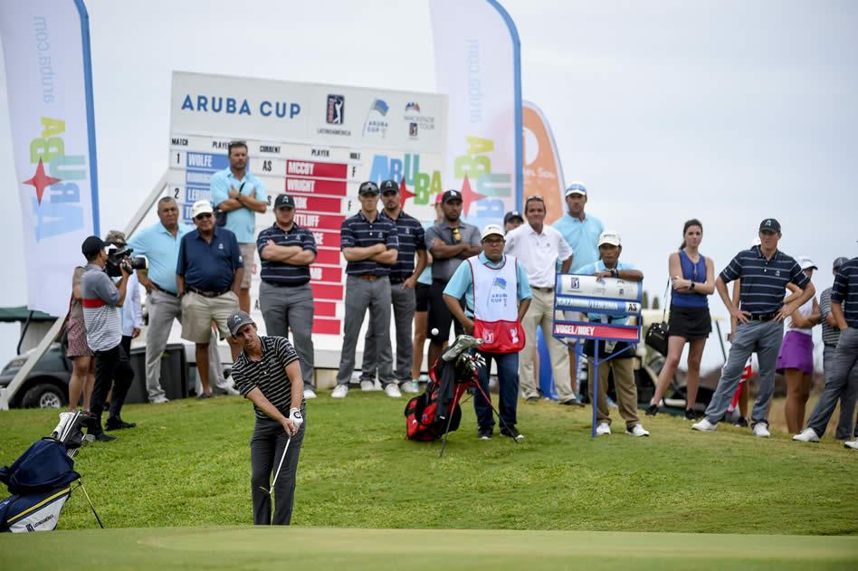 EL mexicano Rodolfo Cazaubón, del equipo del PGA TOUR Latinoamérica durante la primera jornada del Aruba Cup 2017 (Enrique Berardi/PGA TOUR)
