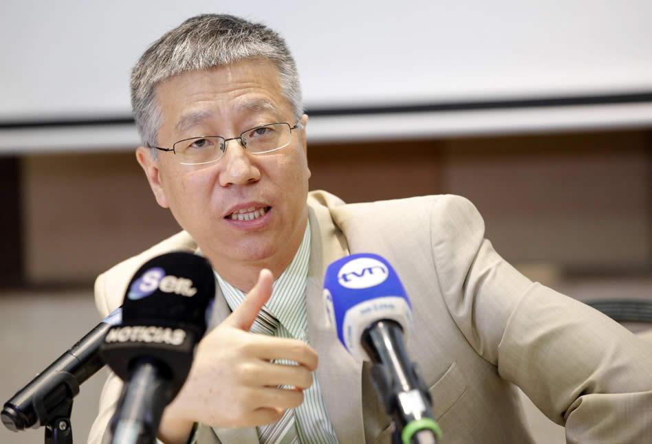 El embajador de China en Panamá, Wei Qiang, participa en rueda de prensa en Panamá. EFE