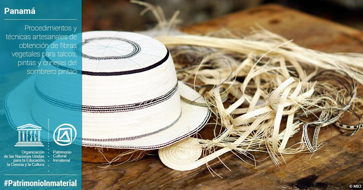Este sombrero, realizado con fibras de junco, bellota o pita y tintes naturales, tiene una copa redondeada y sus alas no son muy anchas (cortesía Twitter Unesco)