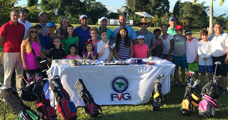 Feve Golf entrega equipos a Escuela de Golf Menor del San Miguel