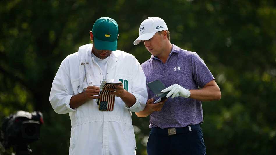 Calculando y pensando su próximo tiro de Golf!