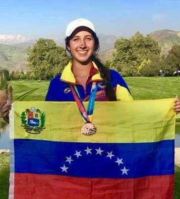 Selección venezolana femenina entrenando en Colombia para Sudamericano Juvenil