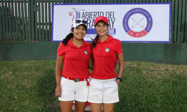 Viviana Prette (Izq.) y Giovanna Fernandez, celebran el espectacular uno dos de Paraguay en Juvenil. FOTO: Prensa YGCP