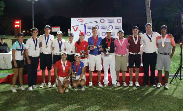 Los mejores del certamen posan con sus medallas y trofeos. FOTO: Prensa YGCP