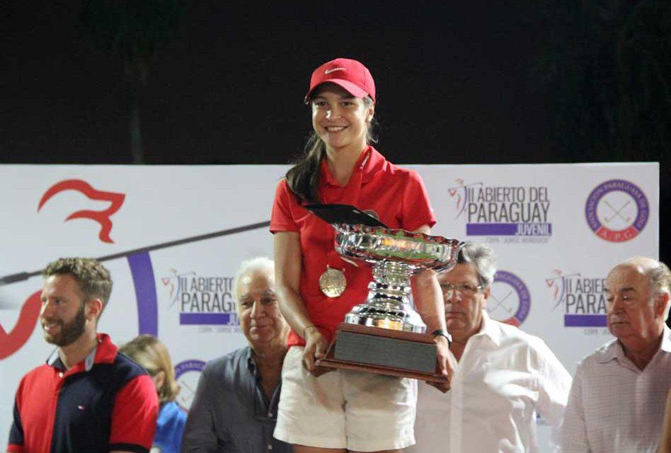 Giovanna Fernández es doble campeona del II Abierto del Paraguay de golf