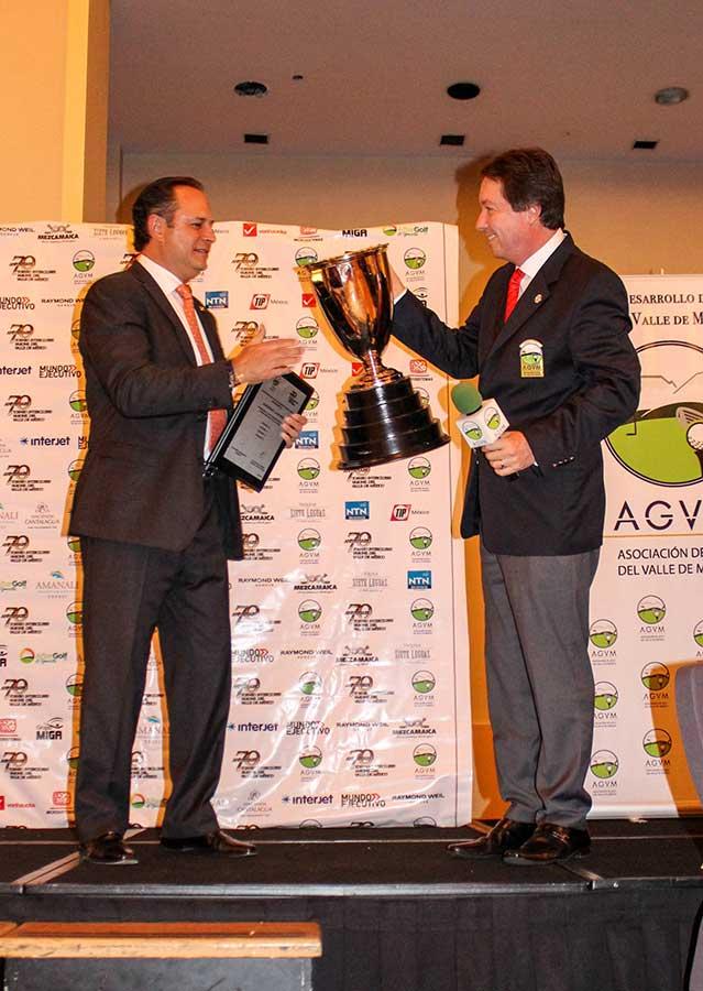El Club de Golf La Hacienda recibe la Copa AGVM