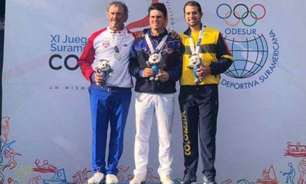 Jorge García, Paola Moreno, Carlos Franco y Milagros Chávez, los poseedores del oro en el golf de los Juegos Sudamericanos 2018