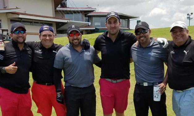 Rotarios apoyando con golf sus obras sociales