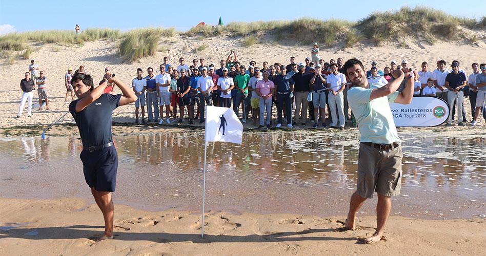 Los hijos de Seve recuerdan a su padre en la playa de Somo