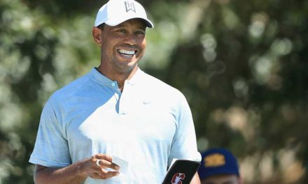 Woods y Rose, co-líderes del TOUR Championship