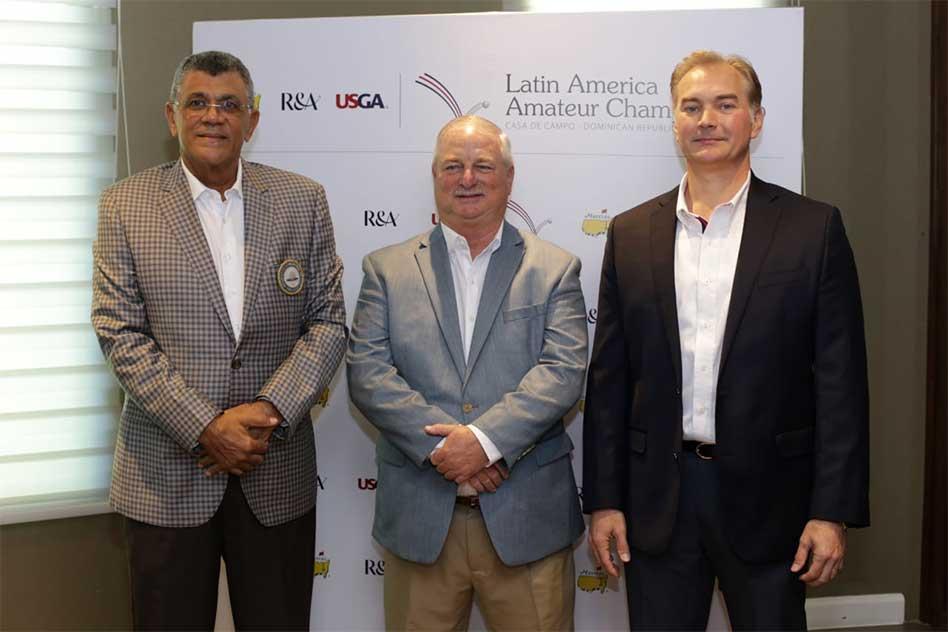 Rafael Villalona (Presidente de la Federación Dominicana de Golf), Mark Lawrie (Director The R&A para Latinoamérica y el Caribe) y Jason Kycek (Senior Vice President of Sales & Marketing de Casa de Campo)